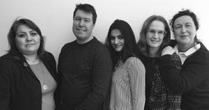 Maria Dadras (mitten) och gänget från Digitala tjänster, Arbetsförmedlingen